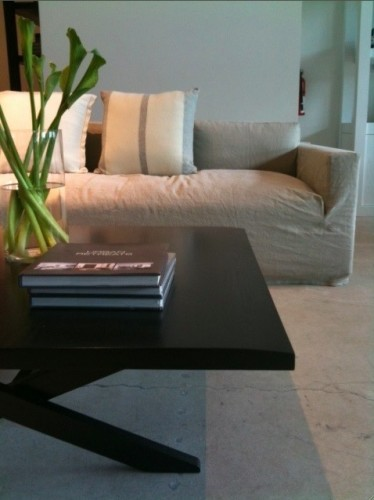 The Edge Detail On This Table Is So Elegant. James Perse Slipcovered Chairs